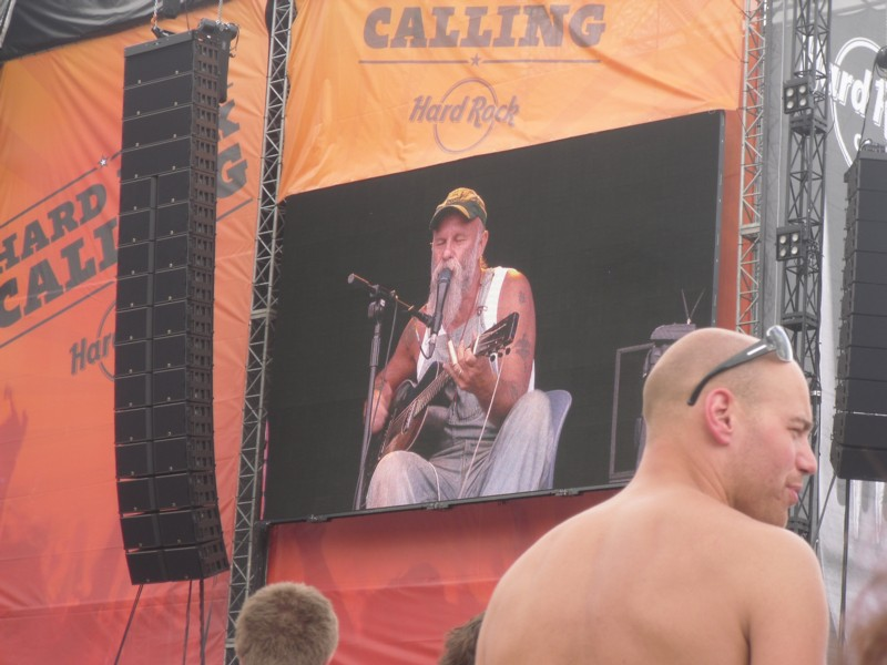 seasick steve on jumbotron