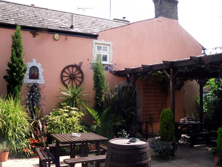 west end house garden2