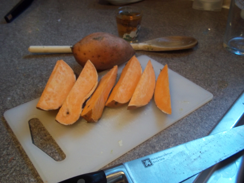 how to cut an onion into wedges