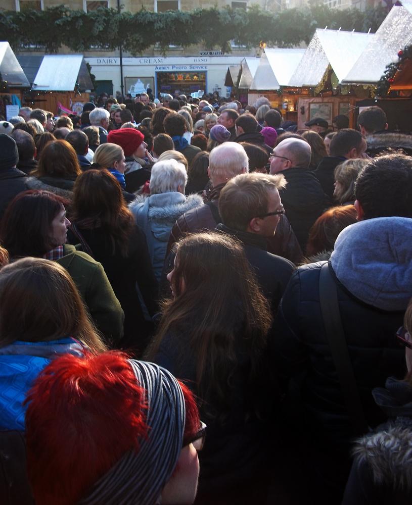2012-12-01 bath christmas market santa claustrophobia