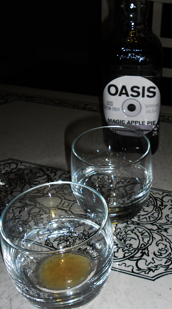 Oasis Magic Apple Pie Taste Test