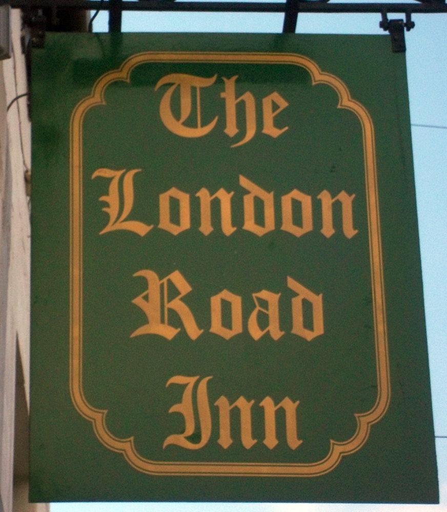 london road inn calne sign