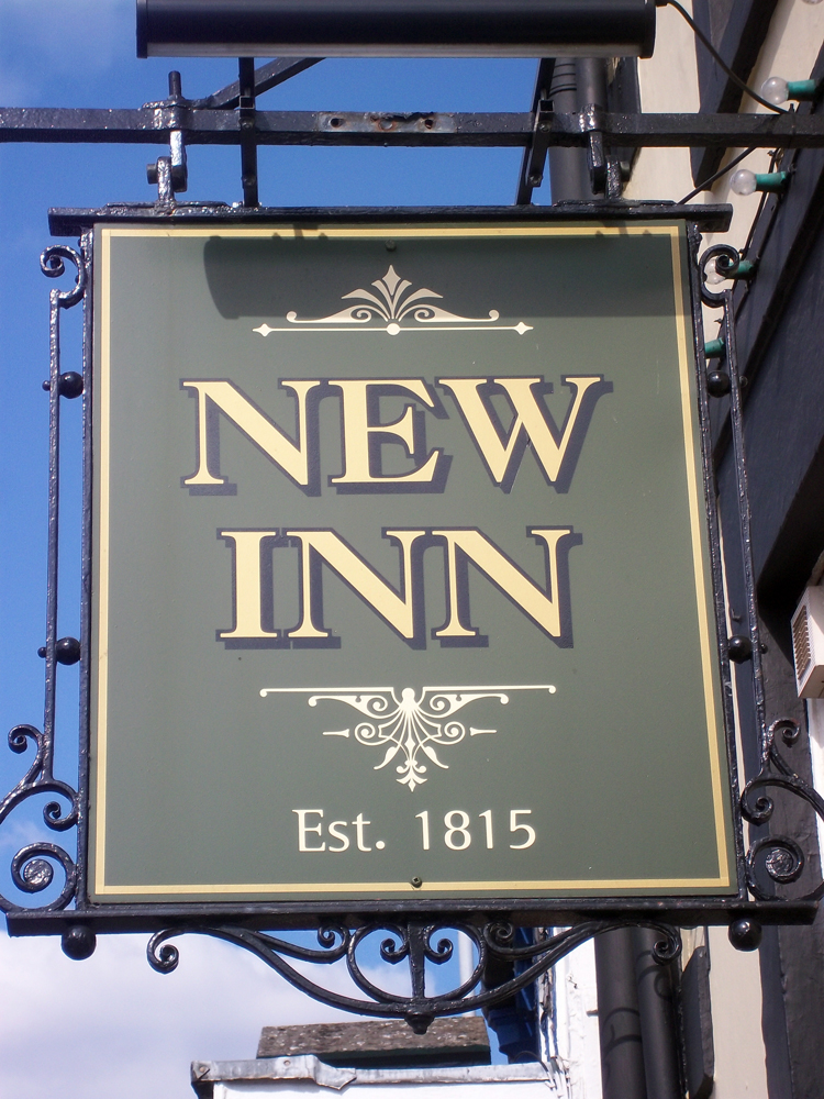 new inn chippenham sign