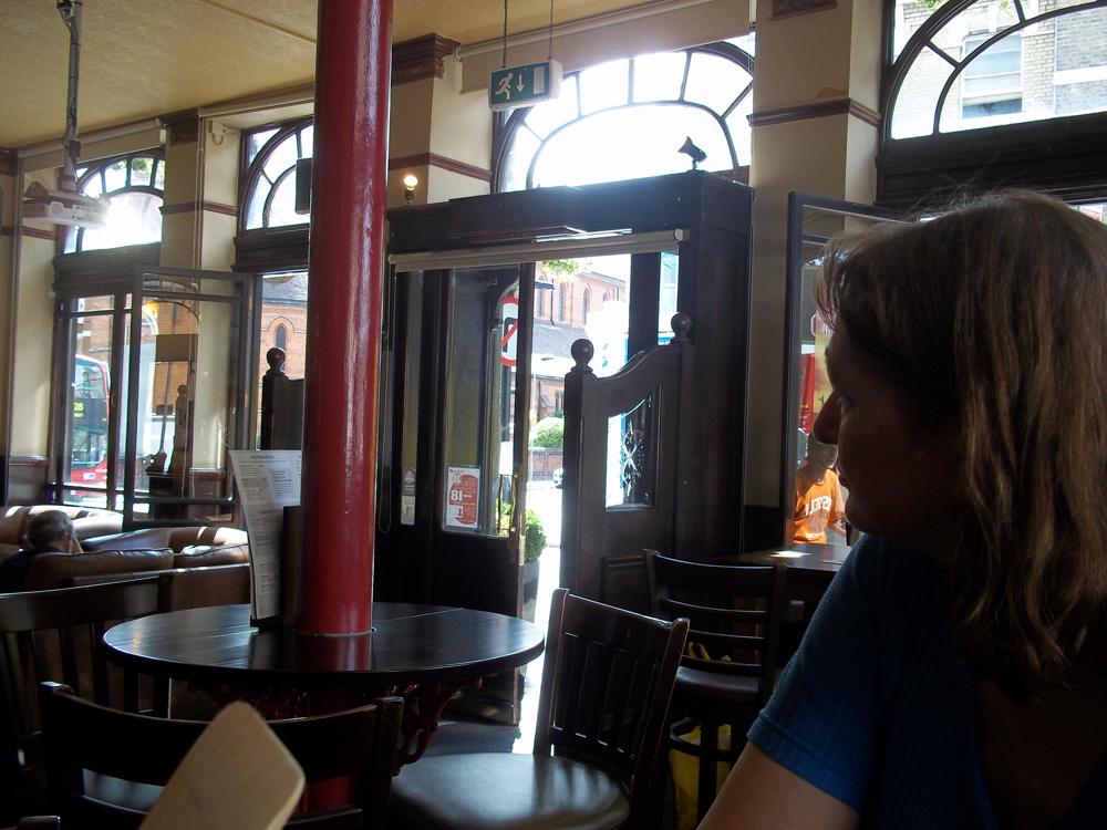 railway inn west hampstead bar