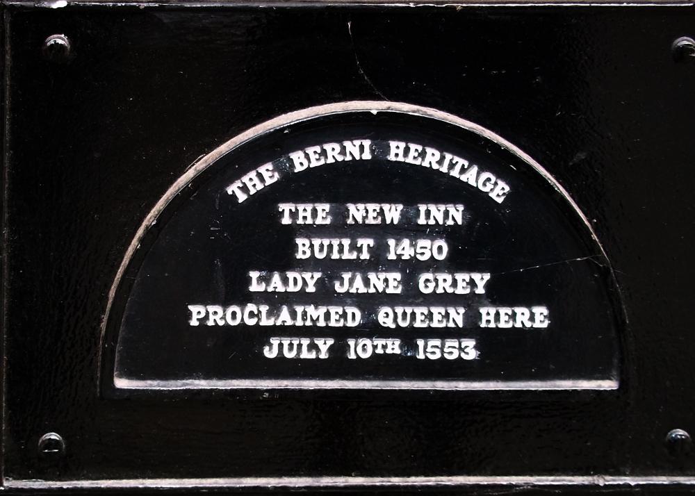 new inn gloucester plaque queen jane grey