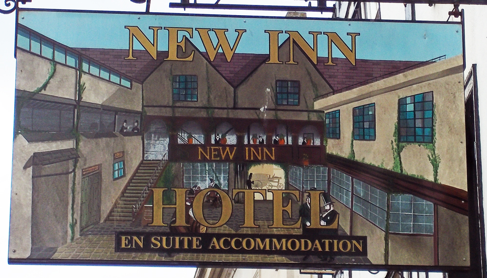 new inn gloucester sign