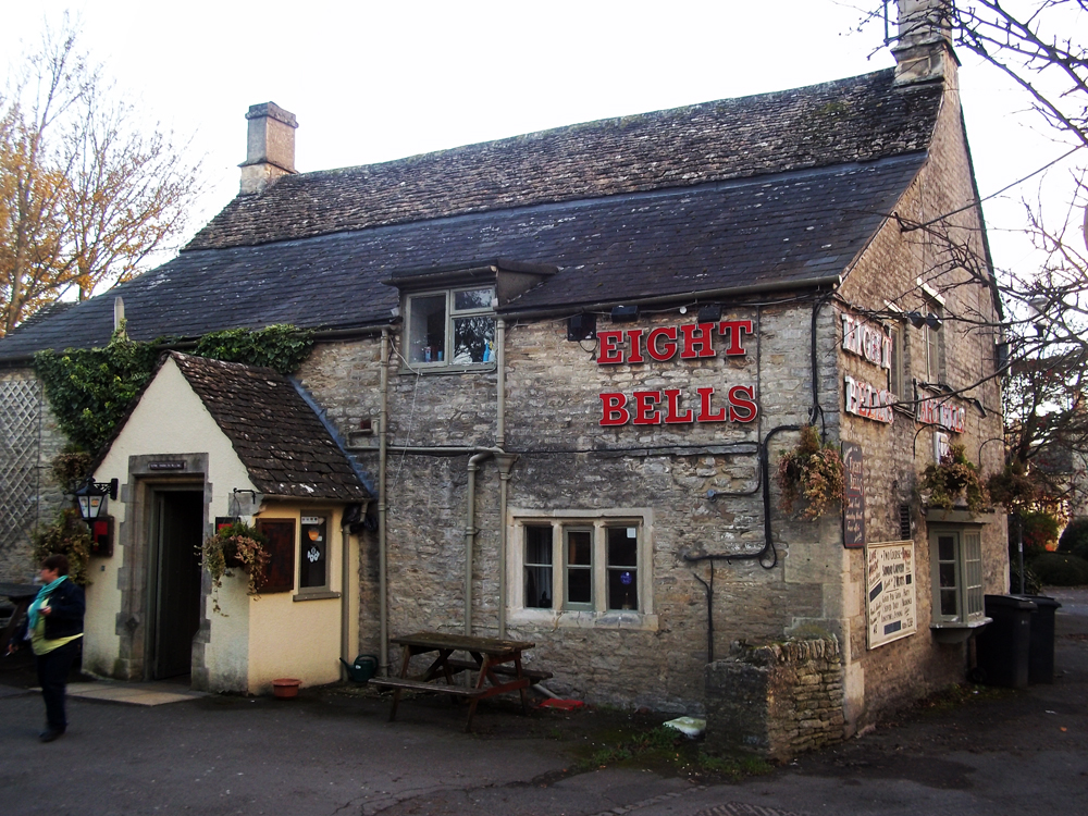 eight bells fairford