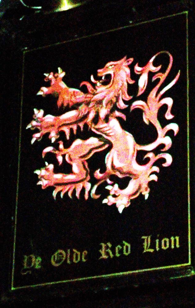 olde red lion kington langley sign