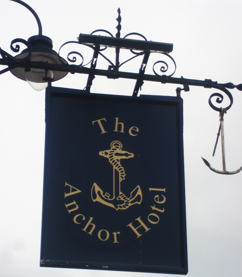 Anchor Hotel Warminster sign