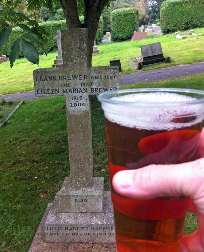 weighbridge brinkworth village christ church cemetery